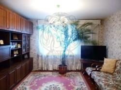Трёхкомнатная квартира в кирпичном доме по Вазова 1!!!
