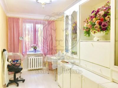 3-х комнатная квартира  2 минуты до Ушакова