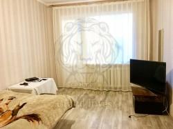 3-х комнатная квартира на Таврическом с  ремонтом