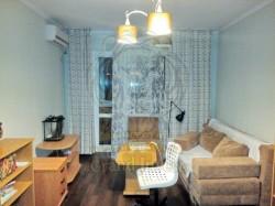 Двухкомнатная квартира с ремонтом.