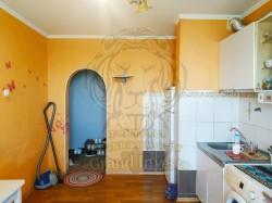Продам 3-комнатную квартиру на 3 Таврическом