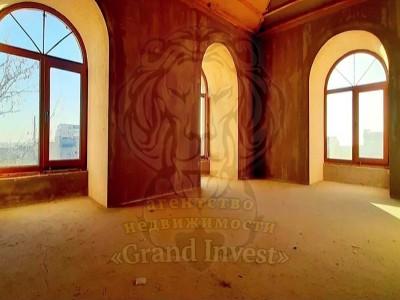 Продам Квартиру,Мансардный этаж,Центр города