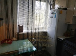 Продам 2-комнатную квартиру с ремонтом 2-этаж